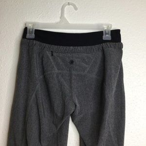 Athleta Pants - Athleta Allegro Capri Grey/Black Size Small/0